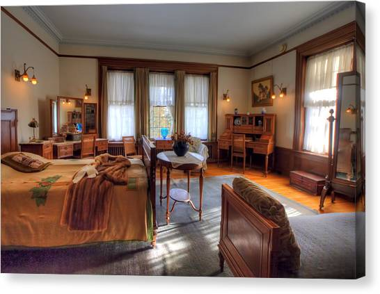 University Of Minnesota Canvas Print - Bedroom Glensheen Mansion Duluth by Amanda Stadther