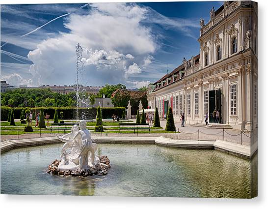 Belvedere Fountains Canvas Print by Viacheslav Savitskiy