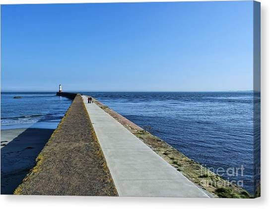 Berwick Pier And Lighthouse Canvas Print
