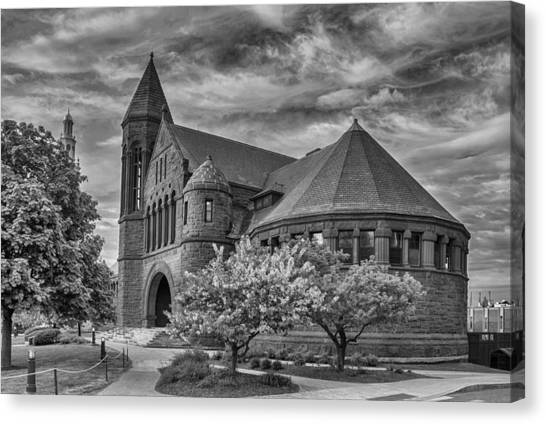 Billings Library At Uvm Burlington  Canvas Print