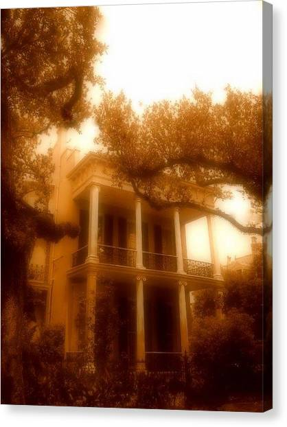 Birthplace Of A Vampire In New Orleans, Louisiana Canvas Print