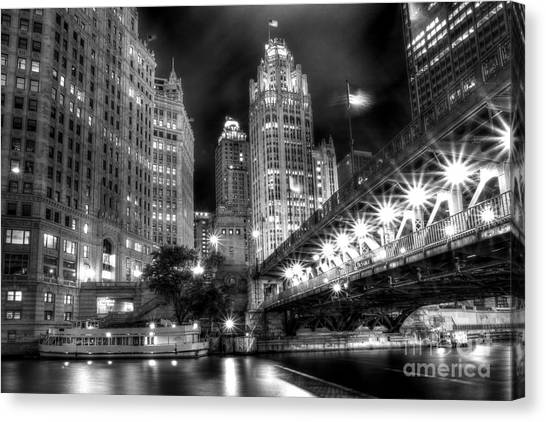 Boat Along The Chicago River Canvas Print