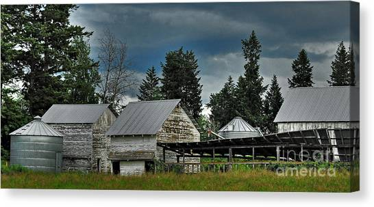 Bonners Ferry Farm Canvas Print