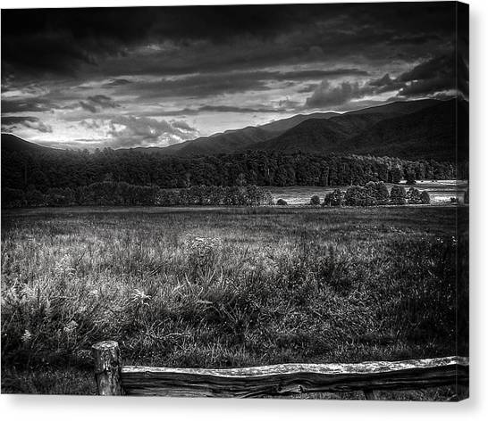 Breaking Sun In Cades Cove In Black And White Canvas Print