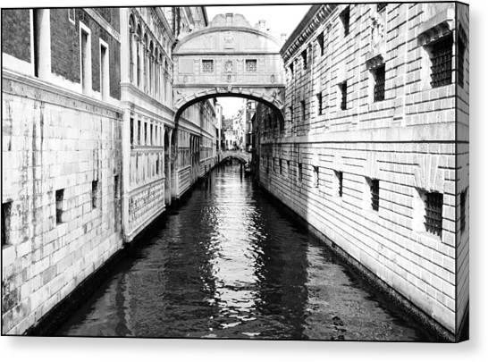 Bridge Of Sighs Bw Canvas Print