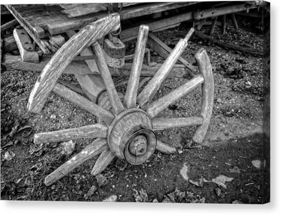 Broken Wagon Wheel In Black And White Canvas Print
