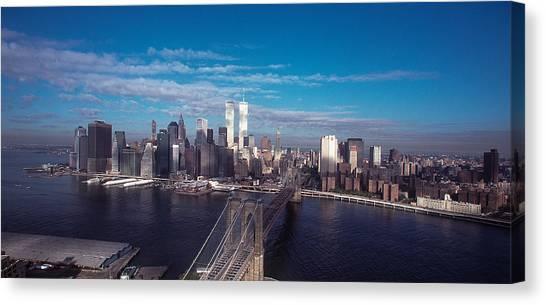Brooklyn Bridge With Manhattan Skyline Canvas Print by Kim Lessel