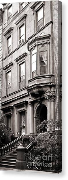 Brooklyn Heights -  N Y C - Classic Building And Bike Canvas Print