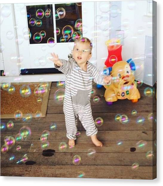 Canvas Print - Bubbles by Rosie Odonnell