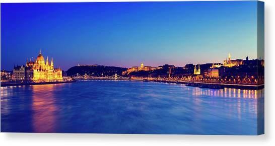 Parliament Hill Canvas Print - Budapest Cityscape by  Ultraforma