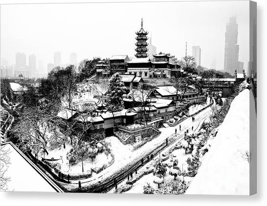 Buddha - Jiming Temple In The Snow - Black-and-white Version  Canvas Print