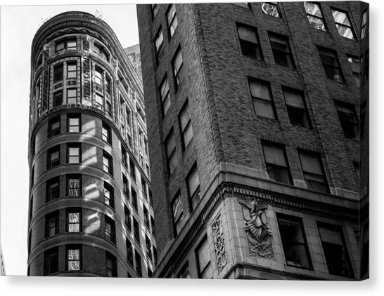 Buildings In New York Canvas Print