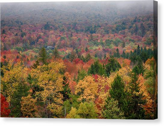 Cabin In Vermont Fall Colors Canvas Print