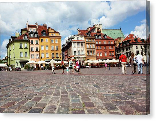 Cafes And Restaurants In Cobblestoned Canvas Print by Dan Herrick