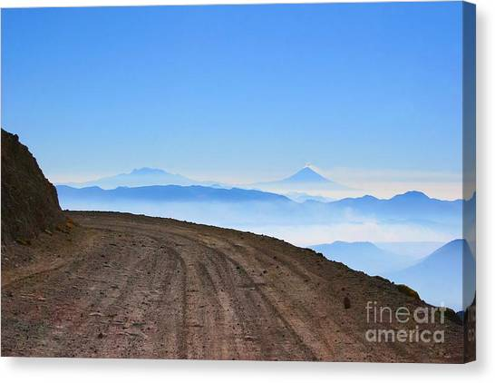 Camino En Volcan Nevado De Toluca Canvas Print