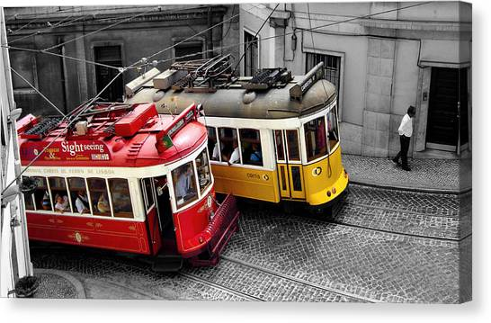 Carris @ Lisboa Canvas Print