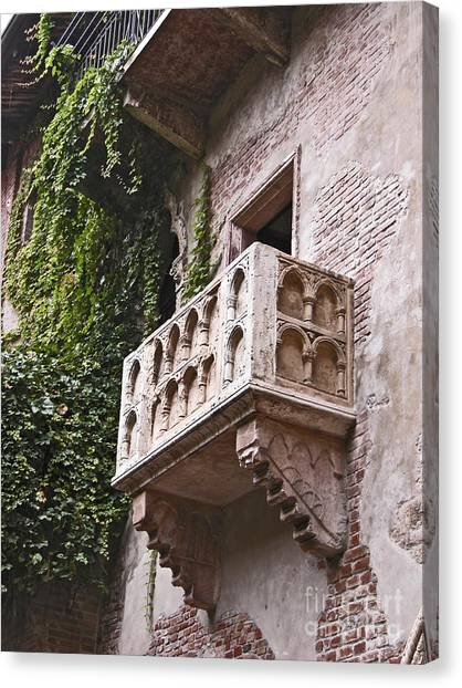 Casa Di Giulietta Canvas Print