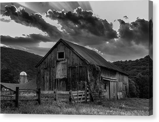 Casey's Barn-black And White  Canvas Print