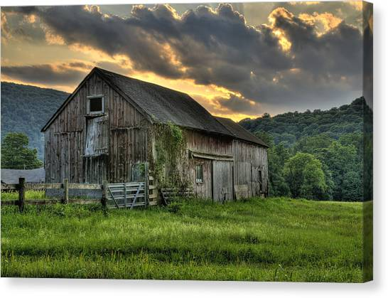 Connecticut Canvas Print - Casey's Barn by Expressive Landscapes Fine Art Photography by Thom