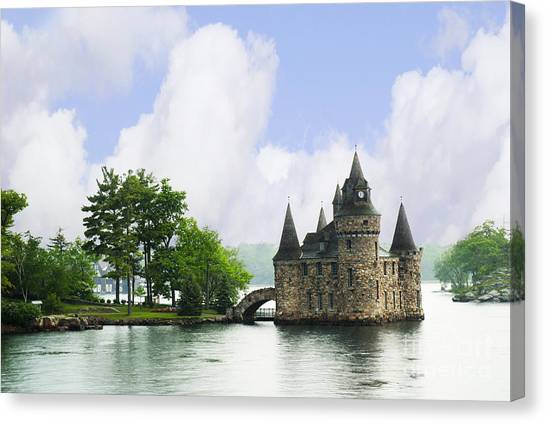 Castle In The St Lawrence Seaway Canvas Print
