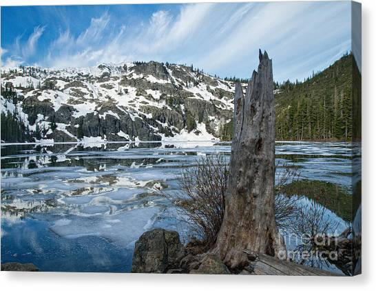 Castle Lake At Dawn Canvas Print