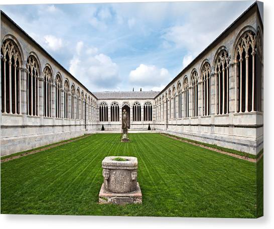 Cemetery At Cathedral Square In Pisa Italy Canvas Print by Susan Schmitz