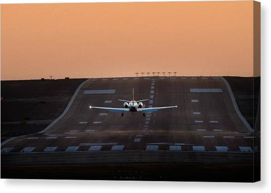 Cessna Citation On Short Final Canvas Print