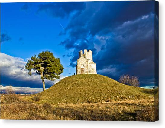 Chapel On Green Hill Nin Dalmatia Canvas Print
