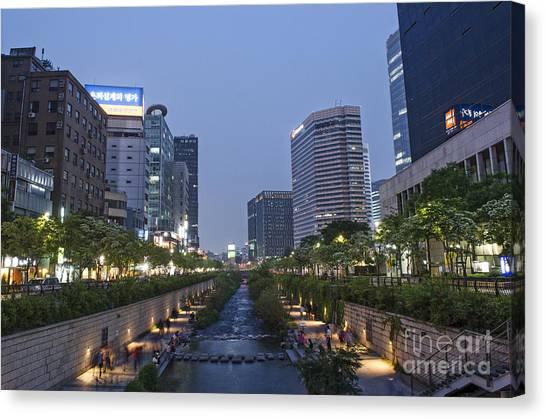 Cheonggyecheon Stream In Seoul South Korea Canvas Print