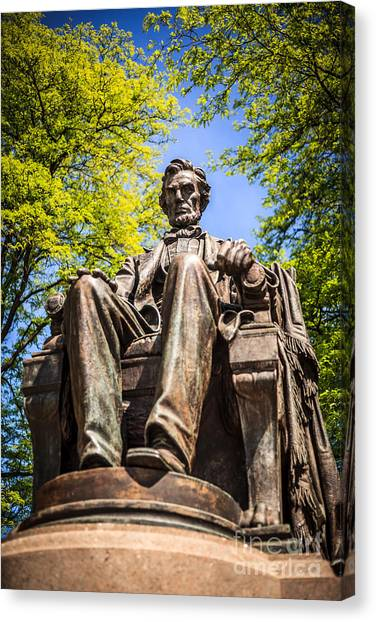 Chicago Abraham Lincoln Sitting Statue Canvas Print by Paul Velgos