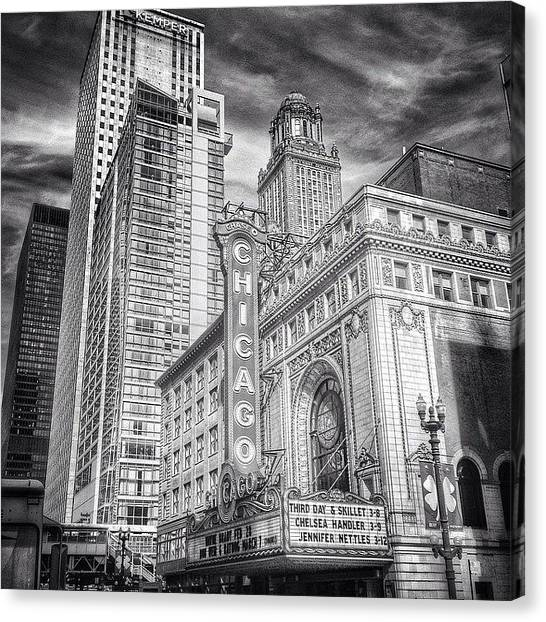 Sears Tower Canvas Print - #chicago #chicagogram #chicagotheatre by Paul Velgos