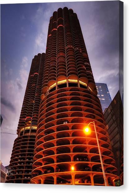 Chicago - Marina City Twilight Canvas Print by Lance Vaughn