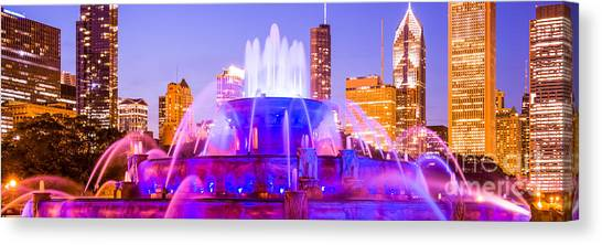 Chicago Panoramic Picture With Buckingham Fountain  Canvas Print by Paul Velgos