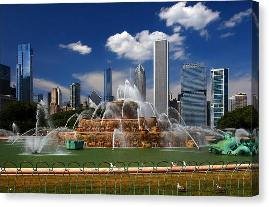 Chicago Skyline Grant Park Fountain Clouds Canvas Print