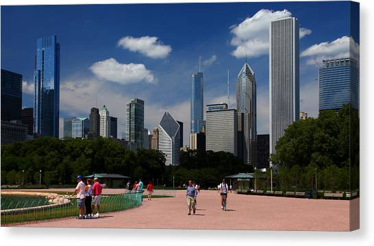 Chicago Skyline Grant Park Canvas Print