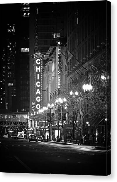 Chicago Theatre - Grandeur And Elegance Canvas Print