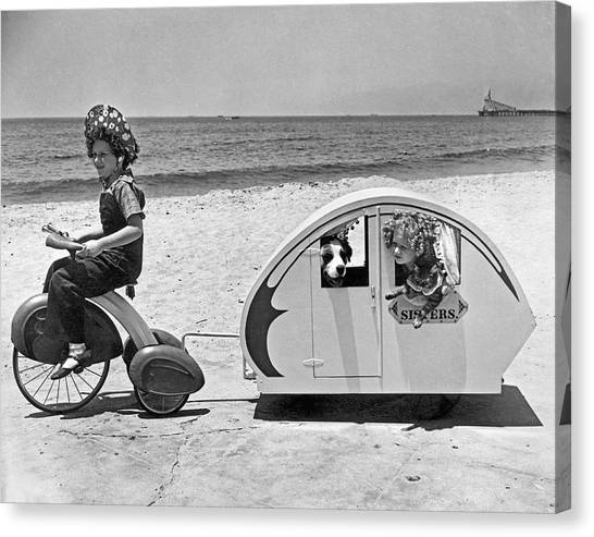Venice Beach Canvas Print - Children Beach Tour by Underwood Archives