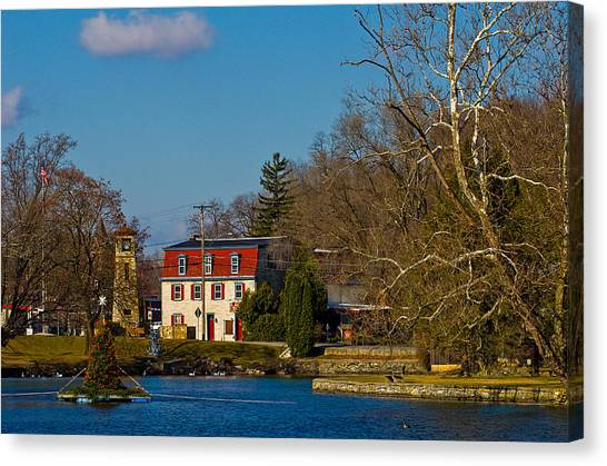 Children's Lake At Boiling Springs In Christmastime Canvas Print