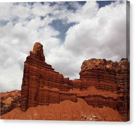 Chimney Rock In Capitol Reef National Park In Utah Canvas Print