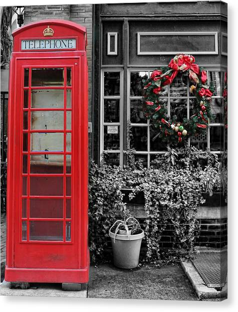 Christmas - The Red Telephone Box And Christmas Wreath IIi Canvas Print