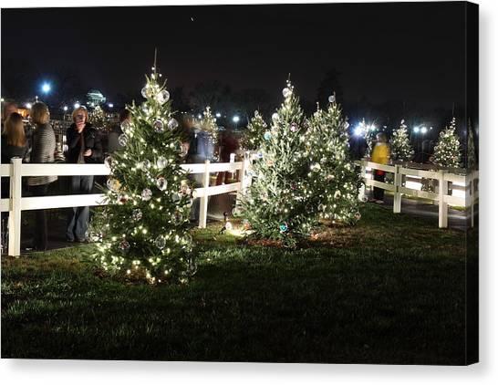 Christmas At The Ellipse - Washington Dc - 01133 Canvas Print by DC Photographer