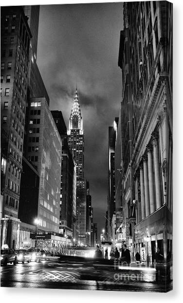 Chrysler Building Canvas Print - Chrysler Buiilding In Mist by John Farnan