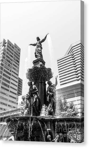 Cincinnati Fountain Black And White Picture Canvas Print by Paul Velgos