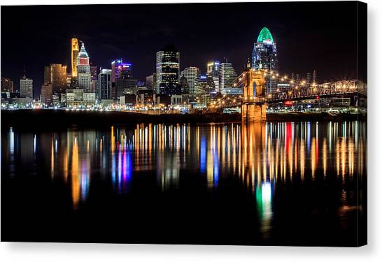 Cincinnati Skyline In Christmas Colors Canvas Print