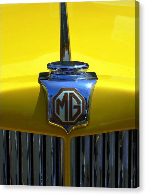 Canvas Print featuring the photograph Classic Mg Grill Yellow by Jeff Lowe