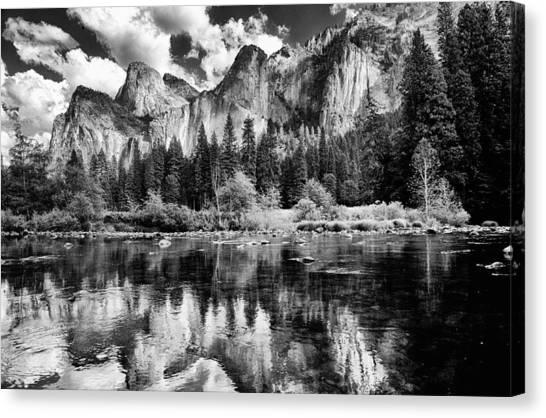 Classic Yosemite Canvas Print