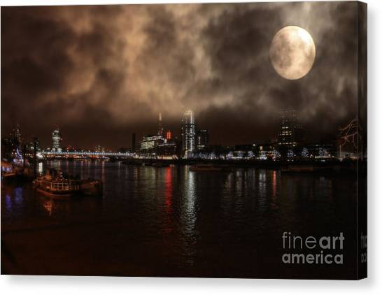 Victoria London  Canvas Print