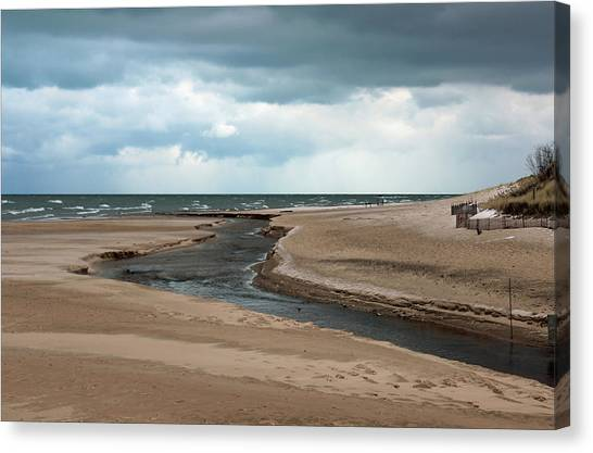 Cold Morning At The Beach Canvas Print