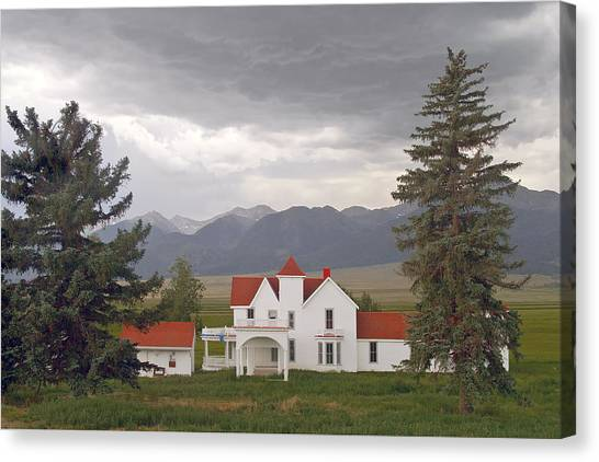Colorado Farmhouse Photo Canvas Print by Peter J Sucy
