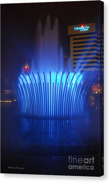 D101l-122 Scioto Mile Fountain Photo Canvas Print